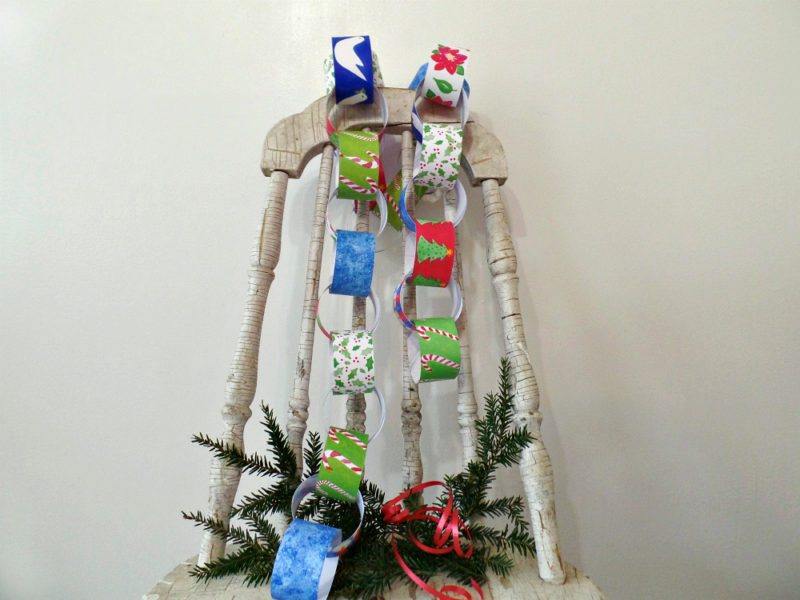 printable christmas paper chain kit on vintage chair