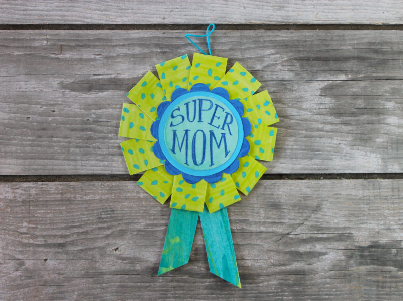Super mom award in blue and green